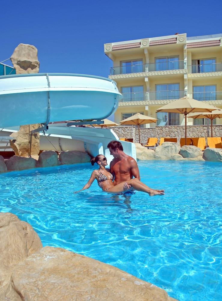 익스피리언스 시 브리즈 리조트(Xperience Sea Breeze Resort) Hotel Image 29 - Outdoor Pool