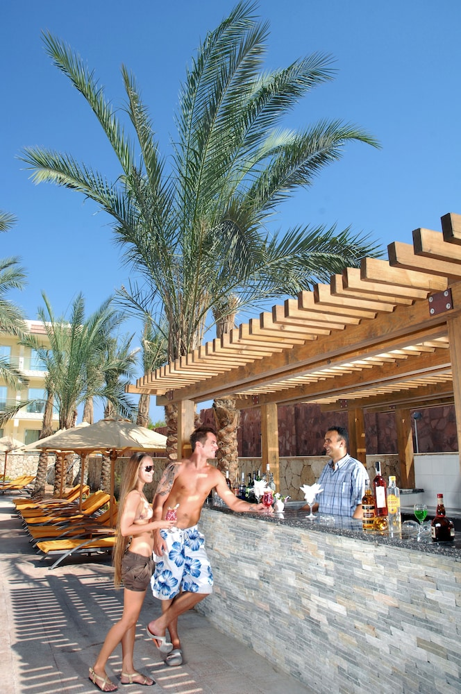 익스피리언스 시 브리즈 리조트(Xperience Sea Breeze Resort) Hotel Image 28 - Terrace/Patio