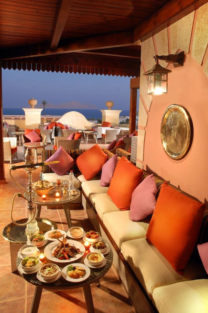 익스피리언스 시 브리즈 리조트(Xperience Sea Breeze Resort) Hotel Image 21 - Restaurant