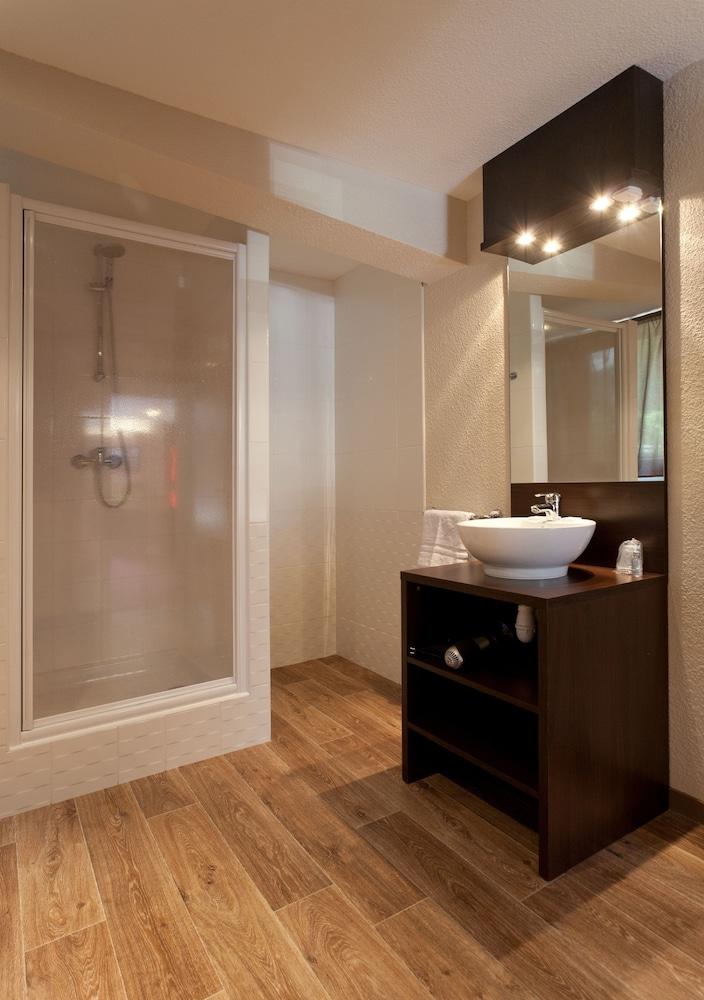 호텔 클럽 mmv 르 몽트 비앙코(Hôtel Club mmv Le Monte Bianco) Hotel Image 10 - Bathroom