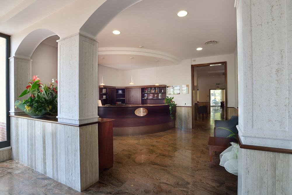호텔 리스토란테 단테(Hotel Ristorante Dante) Hotel Image 30 - Reception