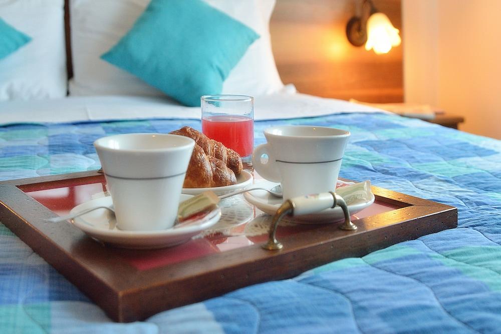 호텔 리스토란테 단테(Hotel Ristorante Dante) Hotel Image 4 - Guestroom