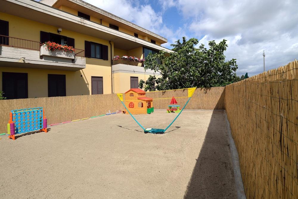 호텔 리스토란테 단테(Hotel Ristorante Dante) Hotel Image 1 - Pool