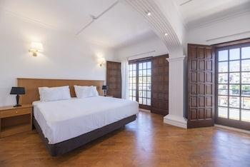 Tek Büyük Veya İki Ayrı Yataklı Oda, Balkon