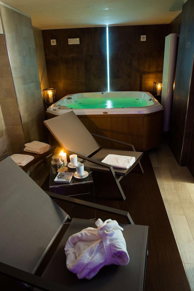 팔라초 데이 메르칸티 - 디모라 스토리카(Palazzo dei Mercanti - Dimora Storica) Hotel Image 33 - Indoor Spa Tub