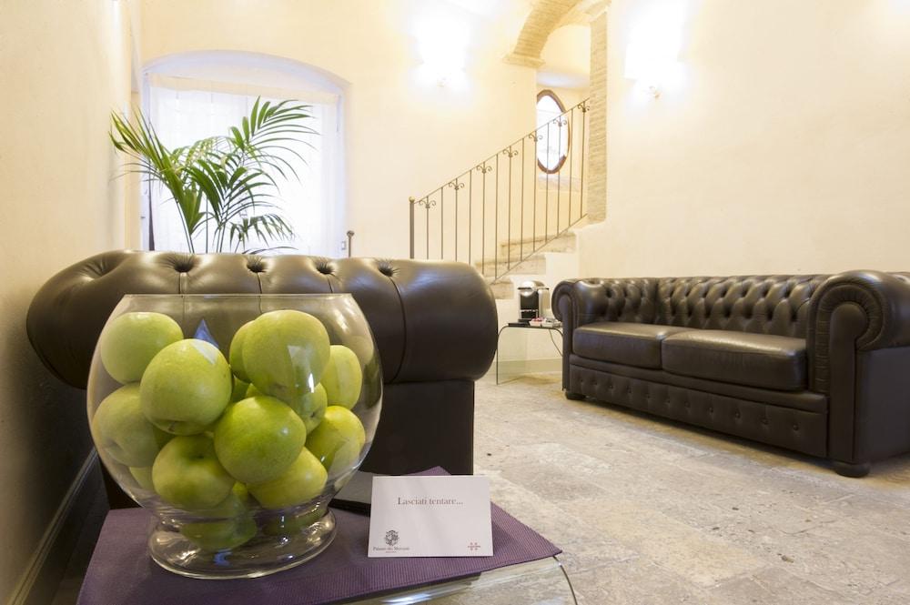 팔라초 데이 메르칸티 - 디모라 스토리카(Palazzo dei Mercanti - Dimora Storica) Hotel Image 28 - Interior Entrance
