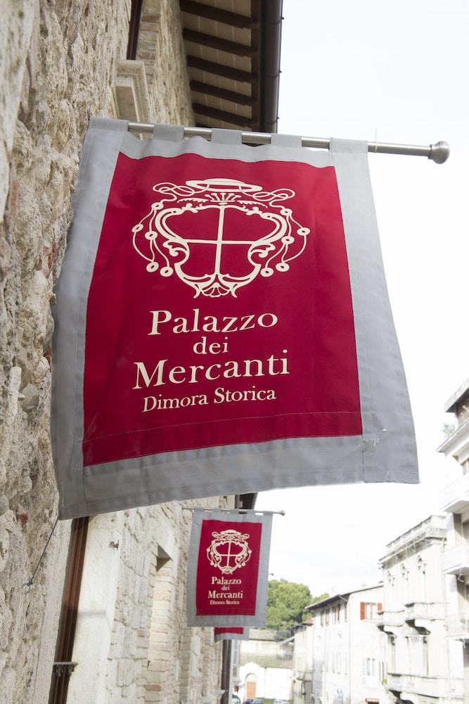 팔라초 데이 메르칸티 - 디모라 스토리카(Palazzo dei Mercanti - Dimora Storica) Hotel Image 2 - Aerial View