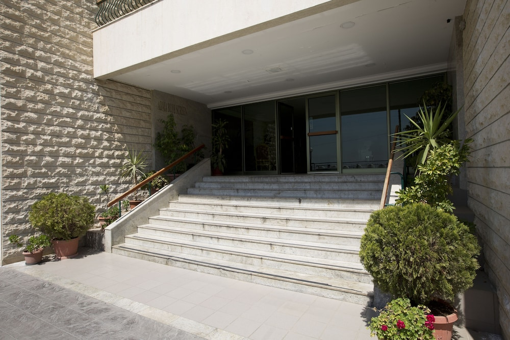 아드마 블루 스크린(Adma Blue Screen) Hotel Image 15 - Interior Entrance