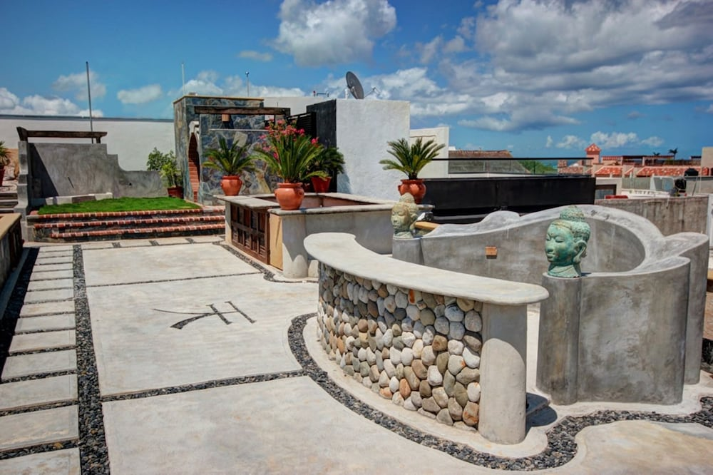 호텔 시엘로(Hotel Cielo) Hotel Image 34 - Terrace/Patio