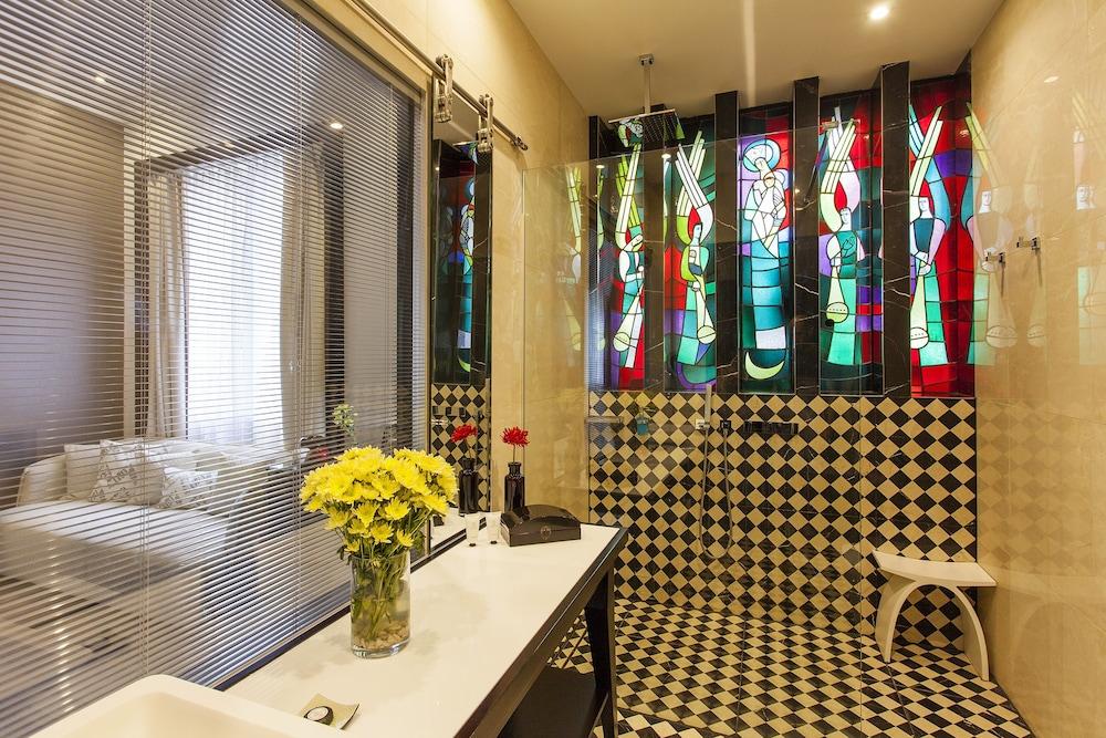 퀜틴 부티크 호텔(Quentin Boutique Hotel) Hotel Image 42 - Bathroom