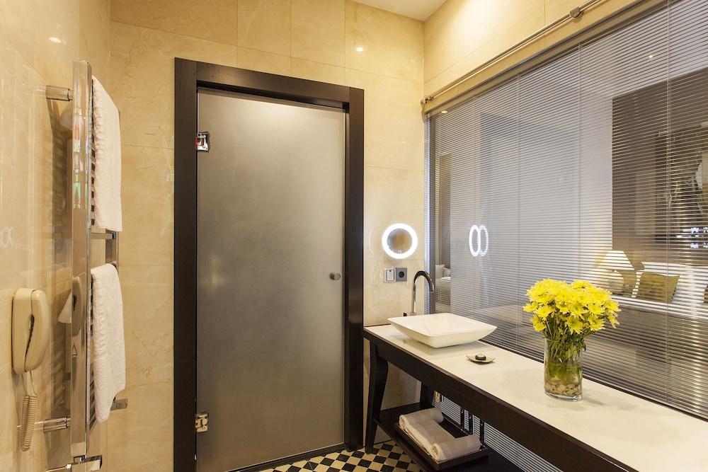 퀜틴 부티크 호텔(Quentin Boutique Hotel) Hotel Image 43 - Bathroom