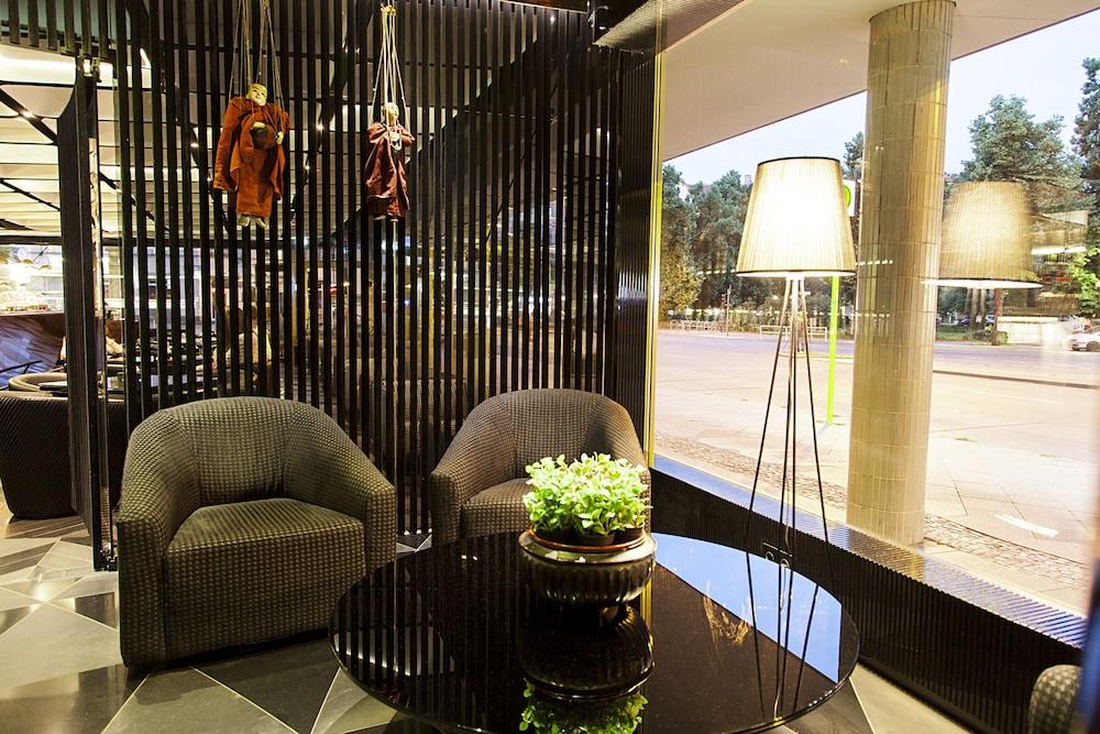 퀜틴 부티크 호텔(Quentin Boutique Hotel) Hotel Image 3 - Lobby Sitting Area