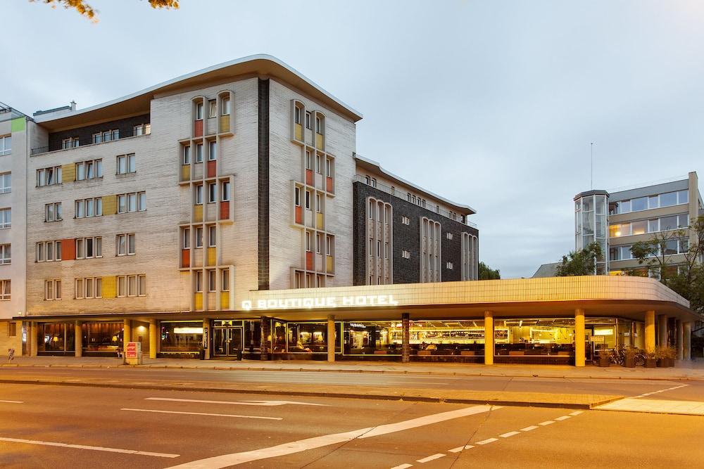 퀜틴 부티크 호텔(Quentin Boutique Hotel) Hotel Image 76 - Hotel Front - Evening/Night