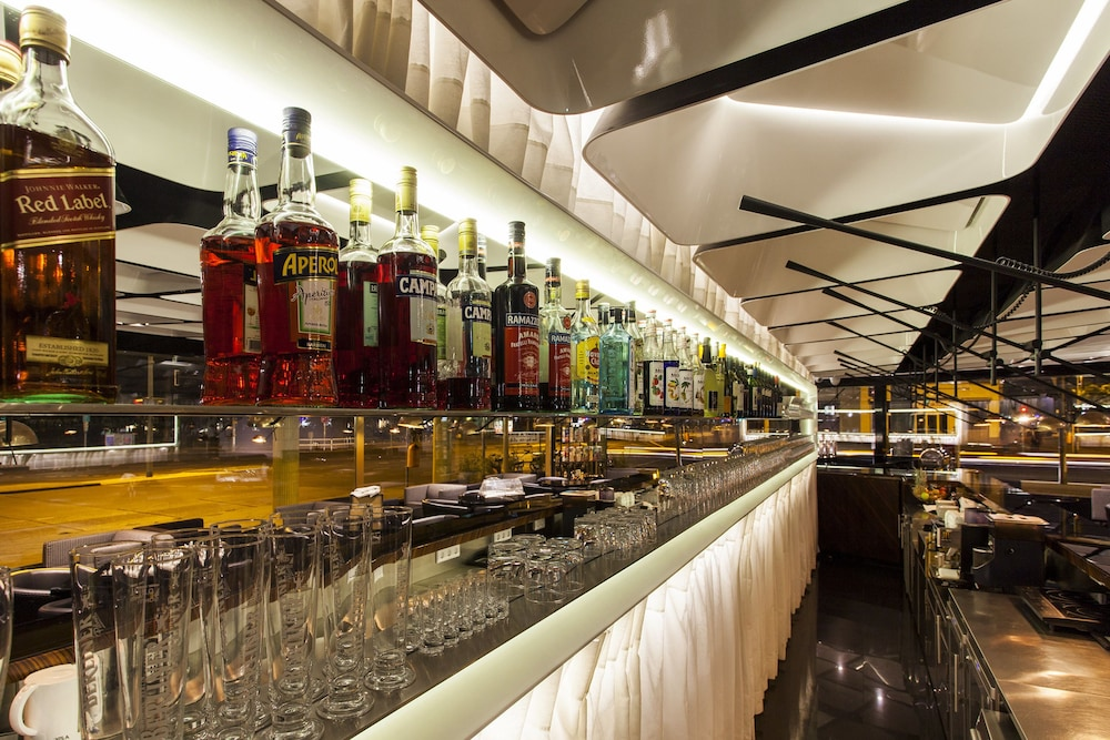 퀜틴 부티크 호텔(Quentin Boutique Hotel) Hotel Image 67 - Hotel Bar