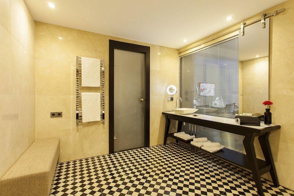 퀜틴 부티크 호텔(Quentin Boutique Hotel) Hotel Image 55 - Bathroom