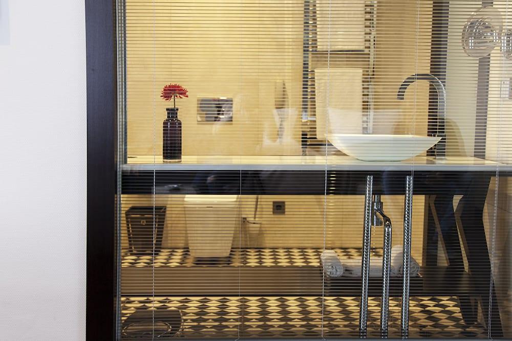 퀜틴 부티크 호텔(Quentin Boutique Hotel) Hotel Image 50 - Bathroom
