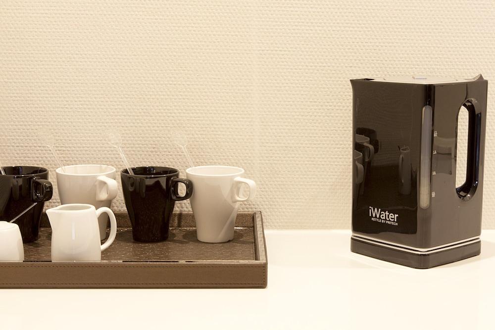 퀜틴 부티크 호텔(Quentin Boutique Hotel) Hotel Image 41 - In-Room Coffee