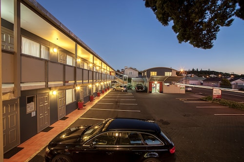 Landmark Manor Motel, New Plymouth