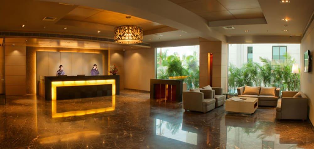 로얄 오키드 센트럴, 바도다라(Royal Orchid Central, Vadodara) Hotel Image 14 - Reception