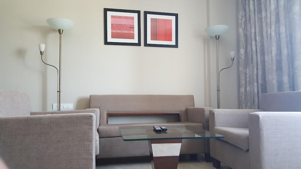 로얄 오키드 센트럴, 바도다라(Royal Orchid Central, Vadodara) Hotel Image 7 - Guestroom