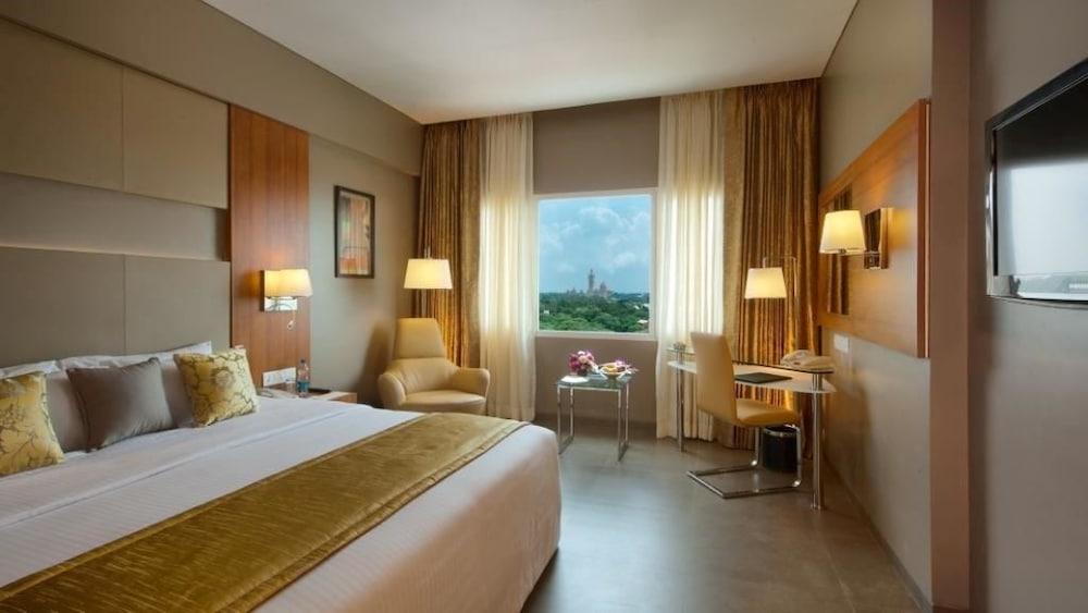 로얄 오키드 센트럴, 바도다라(Royal Orchid Central, Vadodara) Hotel Image 8 - Living Area