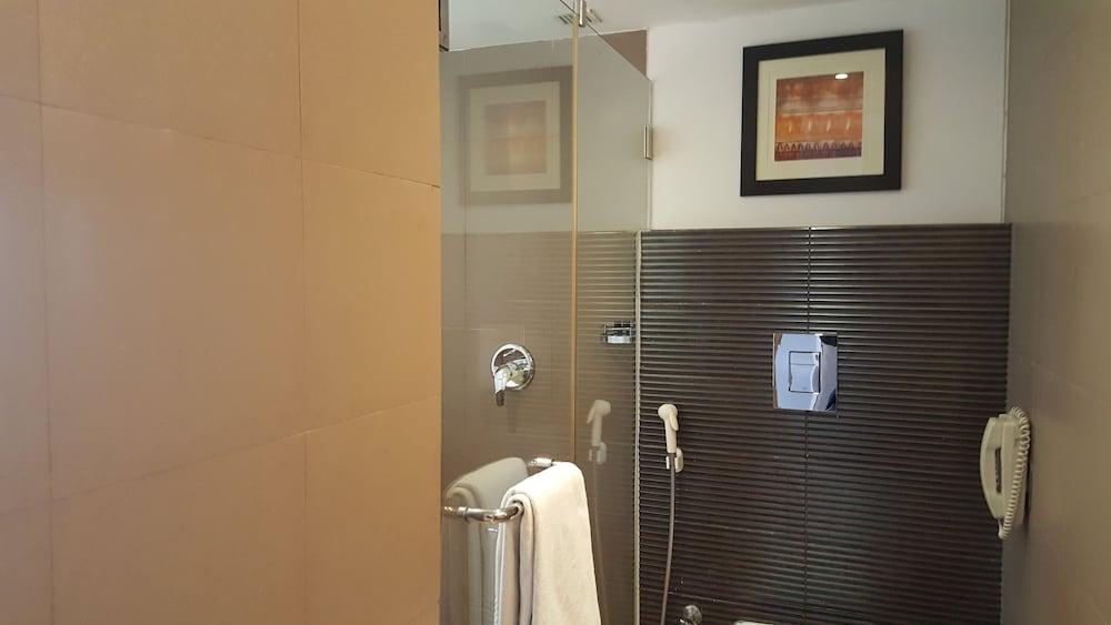 로얄 오키드 센트럴, 바도다라(Royal Orchid Central, Vadodara) Hotel Image 4 - Guestroom