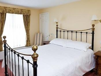 Double Room, Ensuite (Cuckmere - Bedstead)