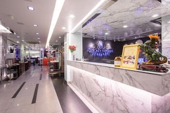 グスト ホテル プラトゥーナム