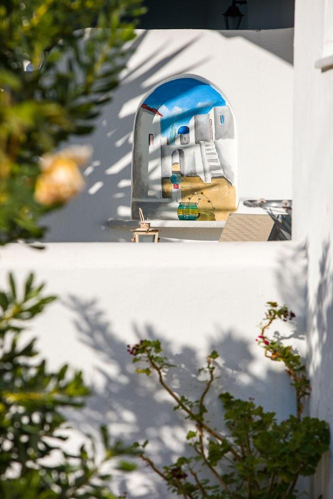 조셉 아파트먼츠(Joseph Apartments) Hotel Image 26 - Exterior detail