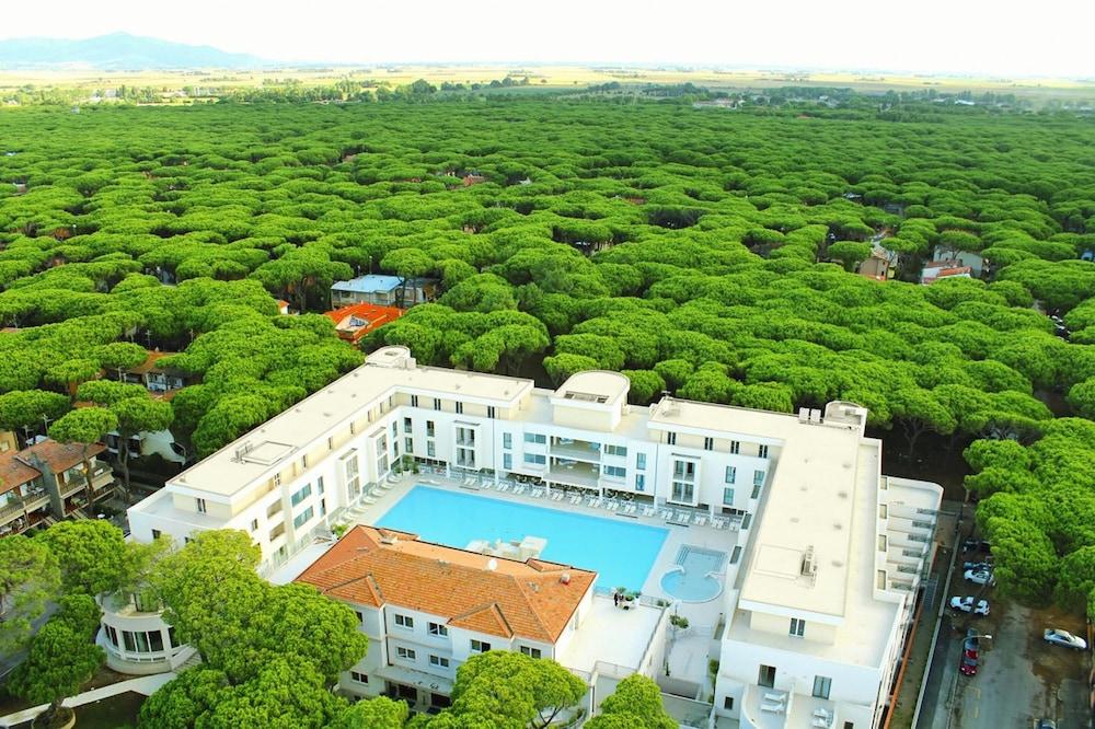 Hotel Terme Marine Leopoldo II, Featured Image