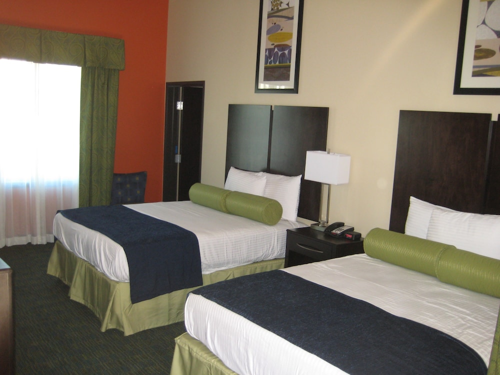 Standard Room, 1 King Bed, City View, Accessible