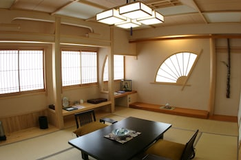 ツインルーム 布団 禁煙 専用バスルーム|30㎡|旅館 神仙