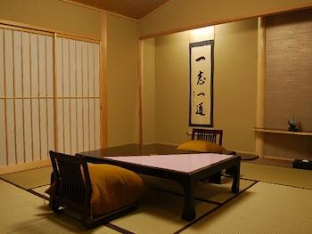スタンダード ルーム 布団 禁煙 専用バスルーム|20㎡|旅館 神仙