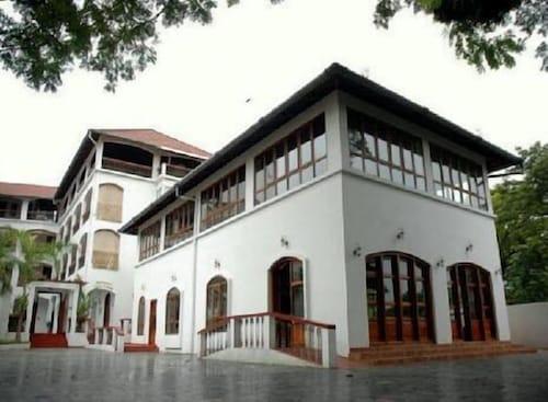 The Killians Boutique Hotel, Ernakulam