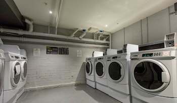 United Backpackers Melbourne - Laundry Room  - #0