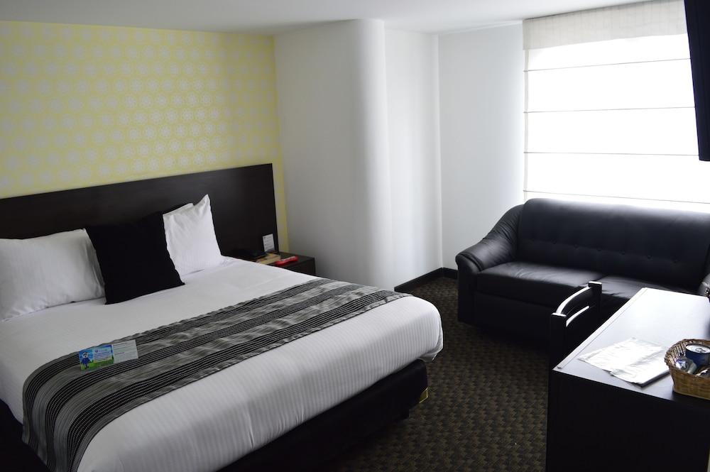 Confort 80 Castellana Hotel
