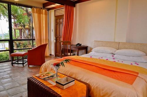 . Punta Bulata Resort & Spa