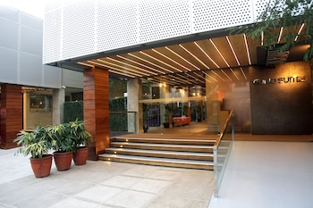 Guijo Suites Makati Featured Image