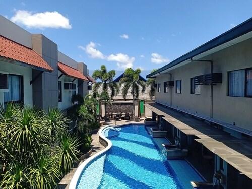 . Circle Inn - Hotel & Suites