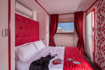 Deluxe Double Room, Balcony, City View (San Peter View)