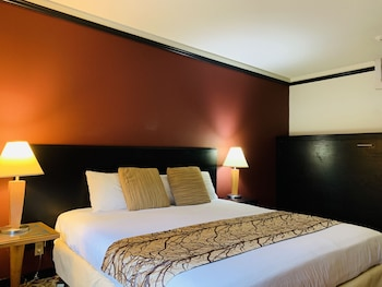 King Bed with Murphy Bed