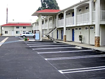 Hotel - Motel 6 Anaheim CA