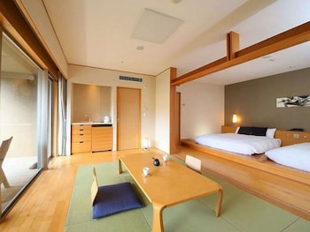 Twin Room with Tatami Area, Non Smoking (Not Open Air Bath)