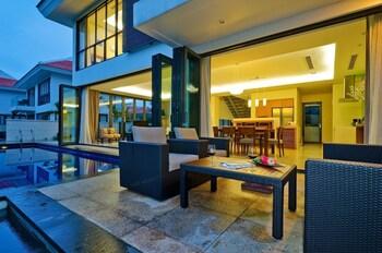The Four Bedroom Pool Villa