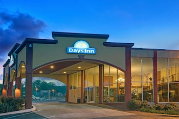 Days Inn by Wyndham Kansas City