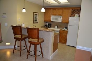 Condo 3 Bedrooms, Kitchen