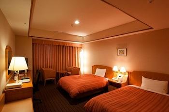 Twin Room, Non Smoking (Upper Floor, 2 Semi Double Beds)