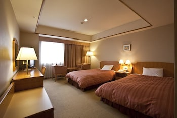Twin Room, Smoking (2 Semi Double Beds with 1  extra bed)