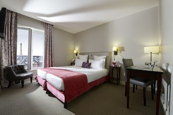 Classic Twin Room, Eiffel Tower view