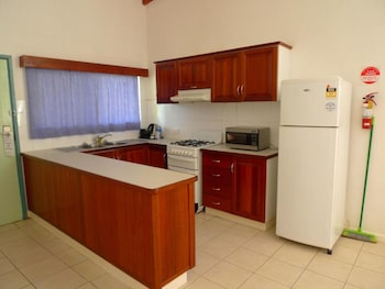 Executive Apartment, 1 Bedroom, Kitchen, Pool View